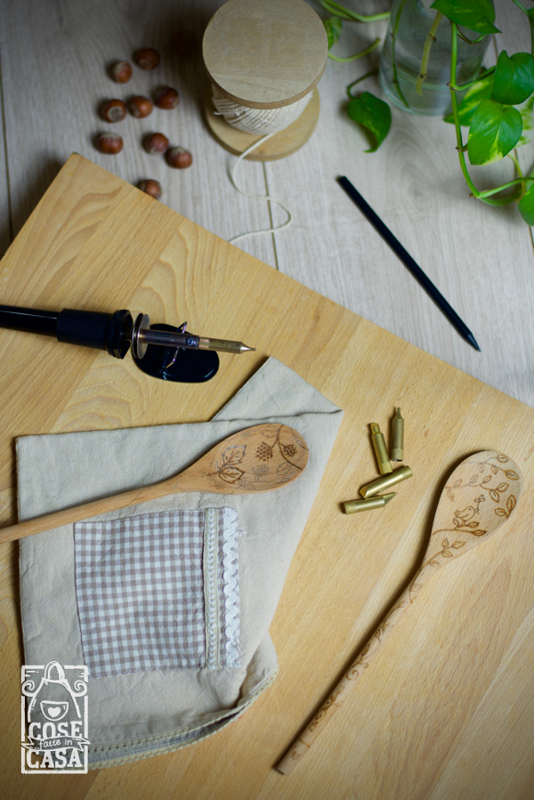 Cucchiaio in legno decorato con il pirografo: il disegno.